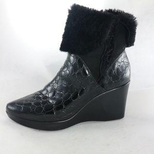 DONALD J PLINER Patent Print Slip On Wedge Boots